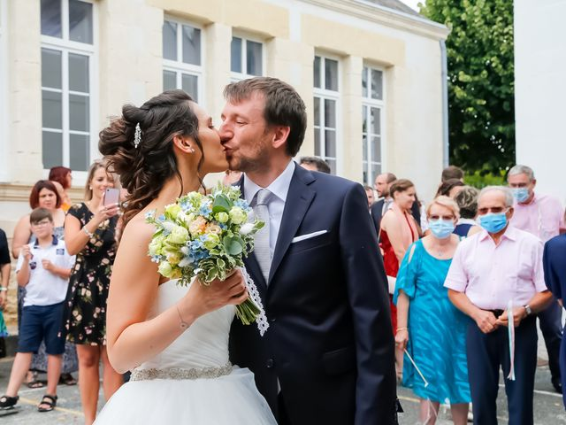 Le mariage de Nicolas et Émilie à Saint-Jean-d'Angély, Charente Maritime 49