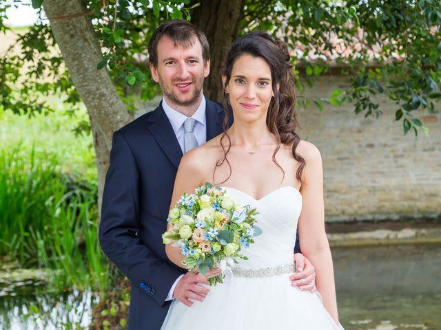 Le mariage de Nicolas et Émilie à Saint-Jean-d'Angély, Charente Maritime 51