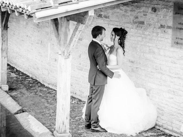 Le mariage de Nicolas et Émilie à Saint-Jean-d'Angély, Charente Maritime 53