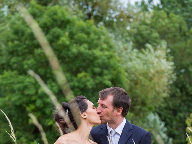 Le mariage de Nicolas et Émilie à Saint-Jean-d'Angély, Charente Maritime 1