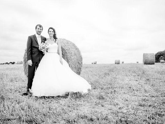 Le mariage de Nicolas et Émilie à Saint-Jean-d'Angély, Charente Maritime 57