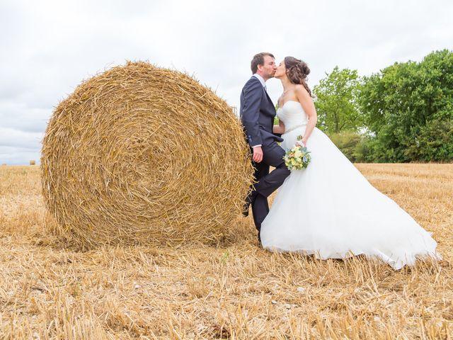 Le mariage de Nicolas et Émilie à Saint-Jean-d'Angély, Charente Maritime 58