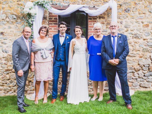 Le mariage de Thomas et Léa à Andouillé, Mayenne 11