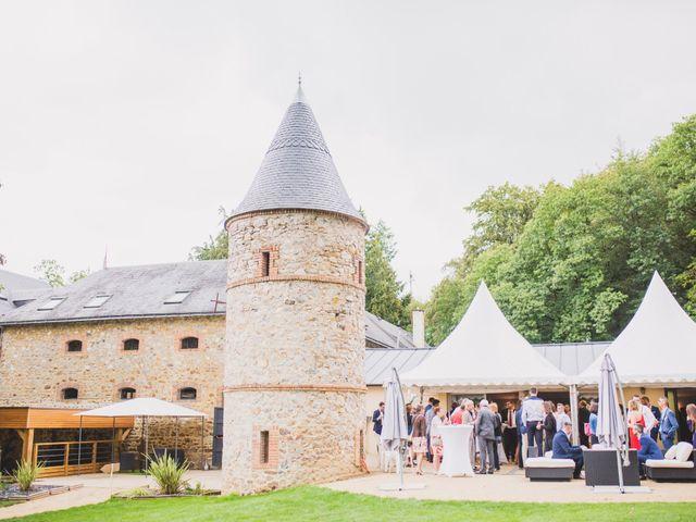 Le mariage de Thomas et Léa à Andouillé, Mayenne 18