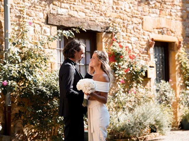 Le mariage de Romain et Alexandra à Légny, Rhône 27
