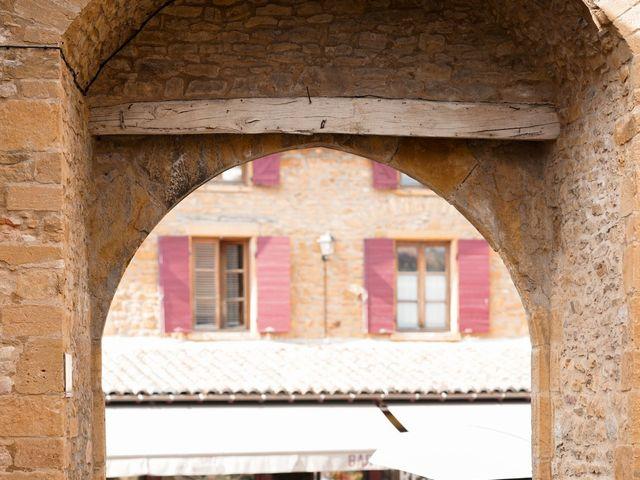 Le mariage de Romain et Alexandra à Légny, Rhône 36