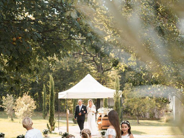 Le mariage de Romain et Alexandra à Légny, Rhône 44