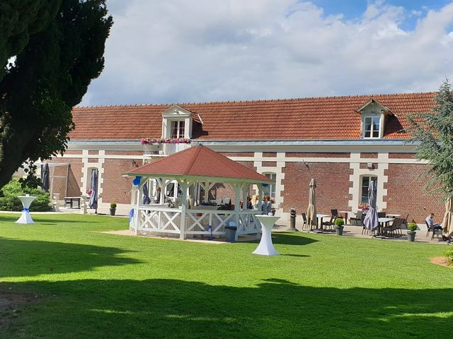 Le mariage de Cédric et Nolwenn à Compiègne, Oise 33