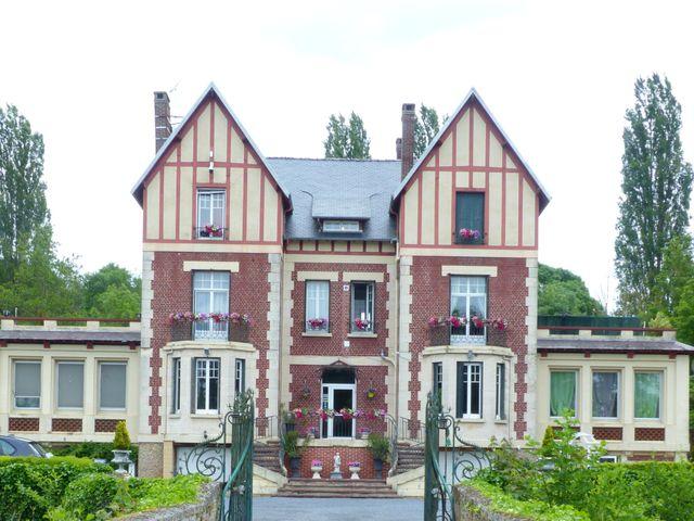 Le mariage de Cédric et Nolwenn à Compiègne, Oise 36