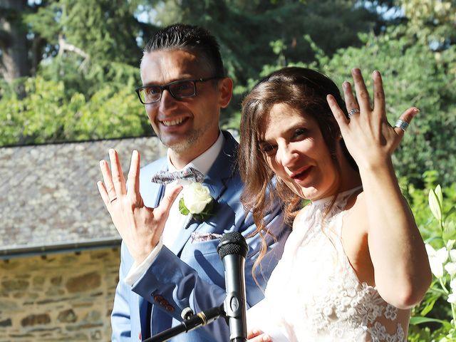 Le mariage de Franck et Carol à Montreuil-sous-Pérouse, Ille et Vilaine 33