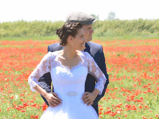 Le mariage de David et Christelle à Capestang, Hérault 15