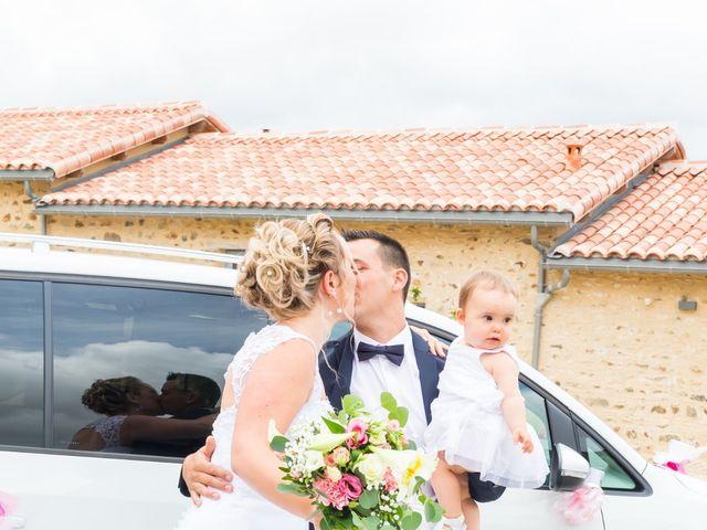 Le mariage de Julien et Adeline à Fenioux, Deux-Sèvres 5