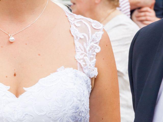 Le mariage de Julien et Adeline à Fenioux, Deux-Sèvres 21