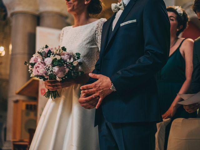 Le mariage de Alexis et Faustine à Mornand-en-Forez, Loire 57