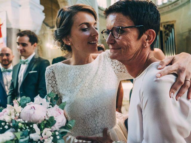 Le mariage de Alexis et Faustine à Mornand-en-Forez, Loire 59