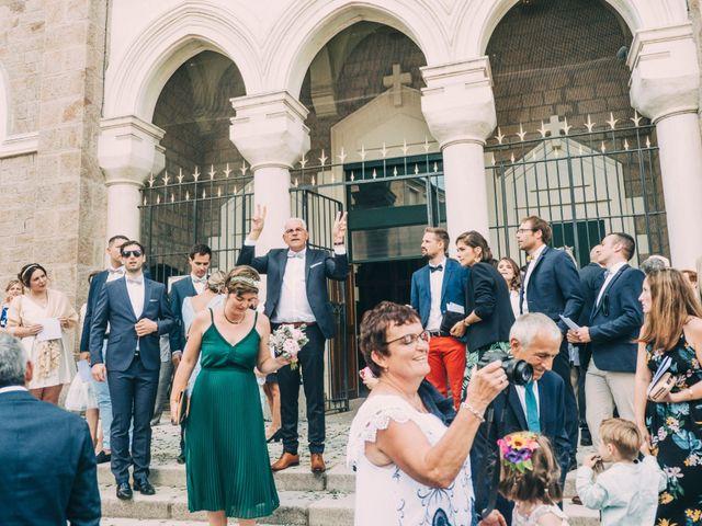 Le mariage de Alexis et Faustine à Mornand-en-Forez, Loire 64