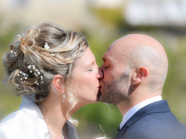 Le mariage de Stefano et Nelly à Grillon, Vaucluse 2
