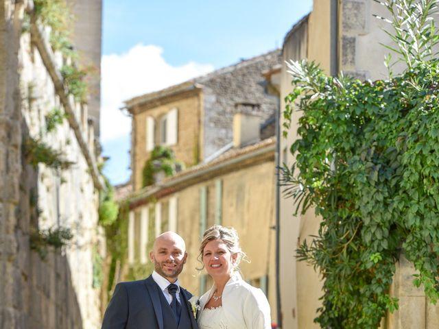 Le mariage de Stefano et Nelly à Grillon, Vaucluse 3
