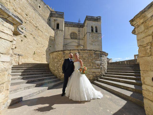 Le mariage de Stefano et Nelly à Grillon, Vaucluse 4