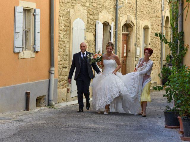 Le mariage de Stefano et Nelly à Grillon, Vaucluse 5