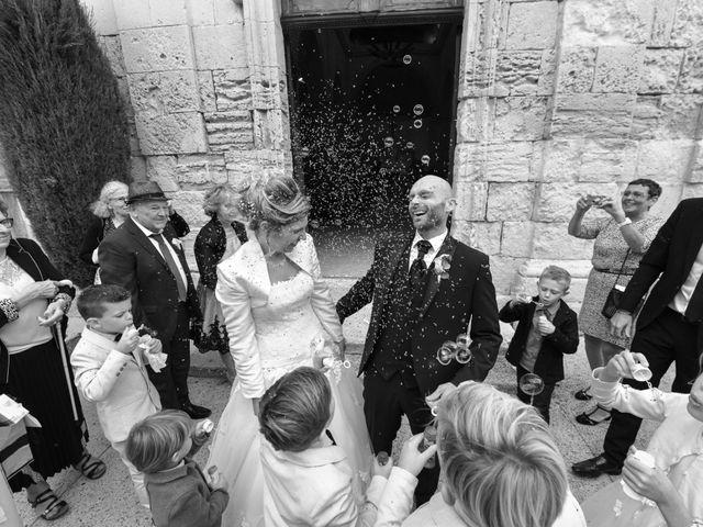 Le mariage de Stefano et Nelly à Grillon, Vaucluse 19