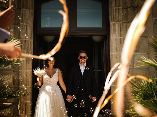 Le mariage de Tom et Célia à Châteaudouble, Drôme 14