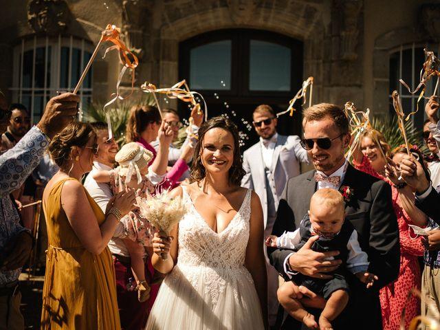 Le mariage de Tom et Célia à Châteaudouble, Drôme 15