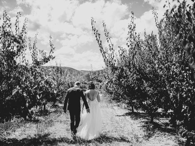 Le mariage de Tom et Célia à Châteaudouble, Drôme 20