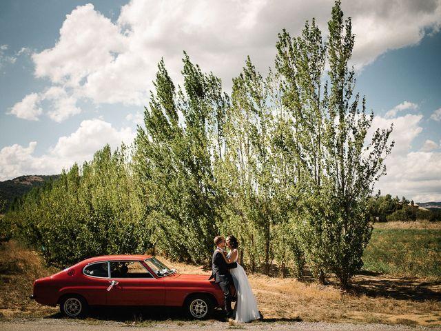 Le mariage de Tom et Célia à Châteaudouble, Drôme 26
