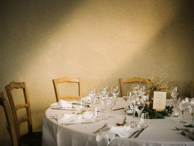 Le mariage de Tom et Célia à Châteaudouble, Drôme 34