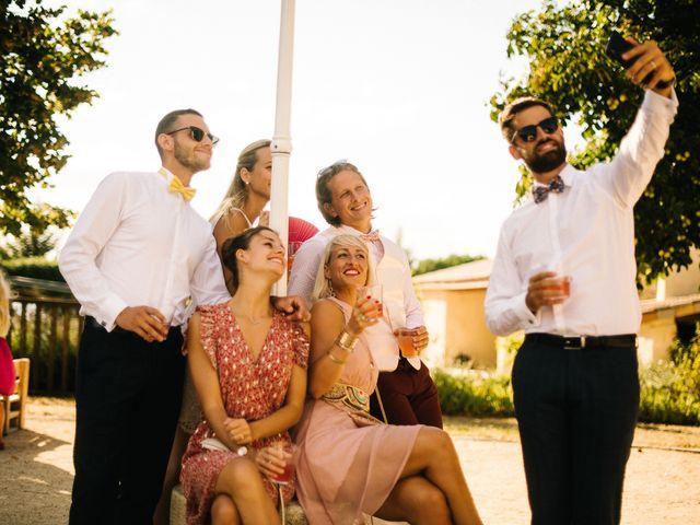 Le mariage de Tom et Célia à Châteaudouble, Drôme 43