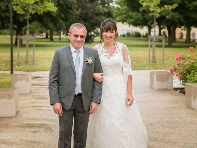 Le mariage de Aurélien et Virginie à Vourles, Rhône 16