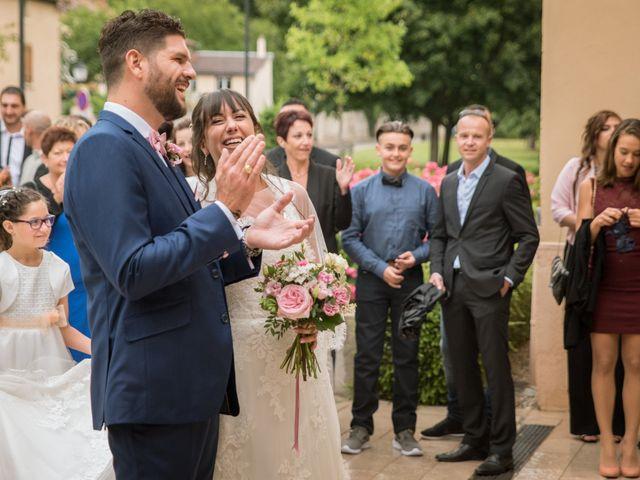 Le mariage de Aurélien et Virginie à Vourles, Rhône 17