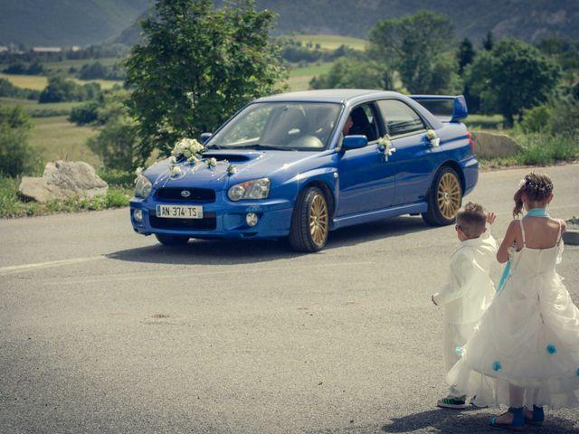 Le mariage de Romain et Gabriela à Montmaur, Hautes-Alpes 4