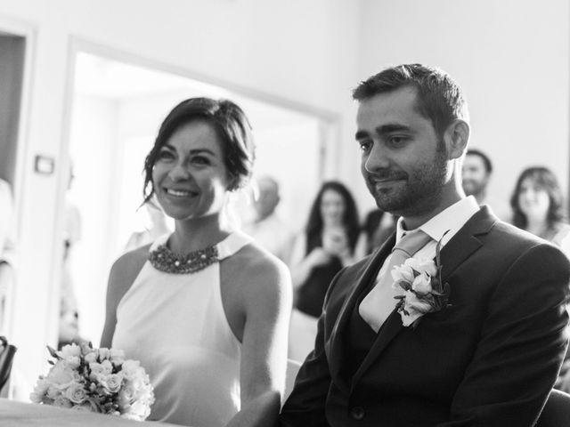 Le mariage de Romain et Gabriela à Montmaur, Hautes-Alpes 15