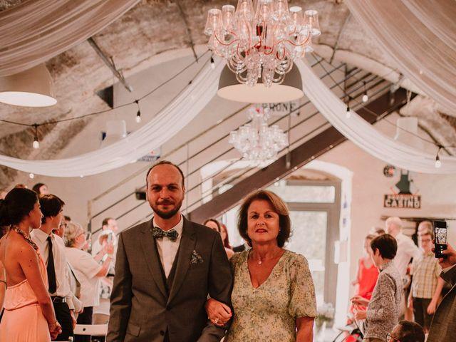 Le mariage de Johann et Marion à Usson, Puy-de-Dôme 71