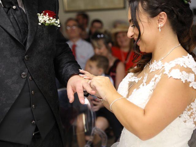 Le mariage de Anthony et Cynthia à La Fare-les-Oliviers, Bouches-du-Rhône 56