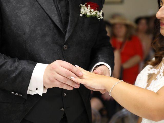 Le mariage de Anthony et Cynthia à La Fare-les-Oliviers, Bouches-du-Rhône 57