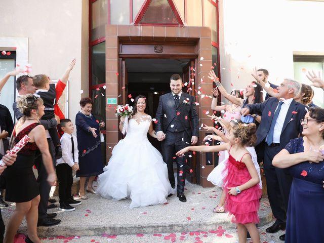 Le mariage de Anthony et Cynthia à La Fare-les-Oliviers, Bouches-du-Rhône 65