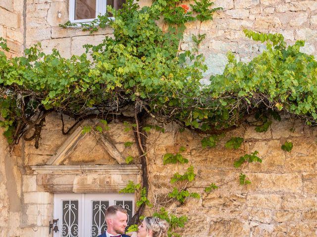 Le mariage de Ludovic et Cassandra à Turenne, Corrèze 21