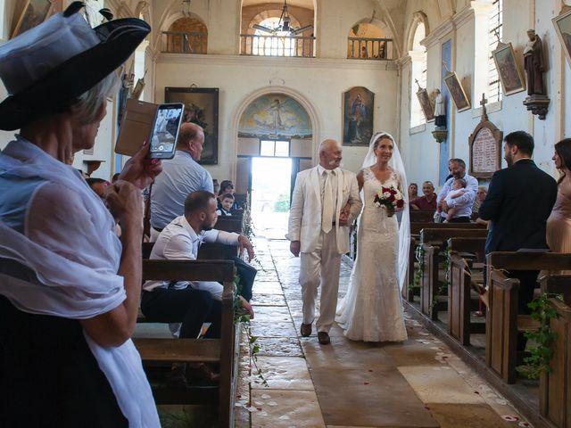 Le mariage de David et Déborah à Fontaine-Française, Côte d'Or 11