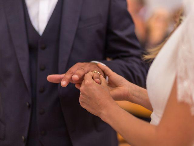 Le mariage de Louis et Alessandra à Loix, Charente Maritime 25