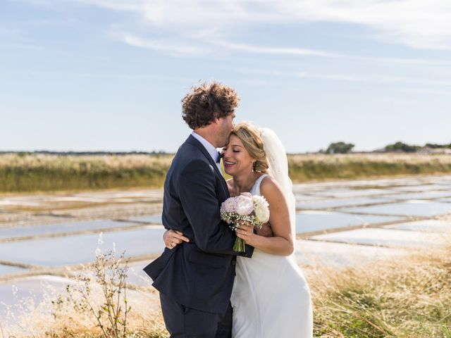 Le mariage de Louis et Alessandra à Loix, Charente Maritime 1
