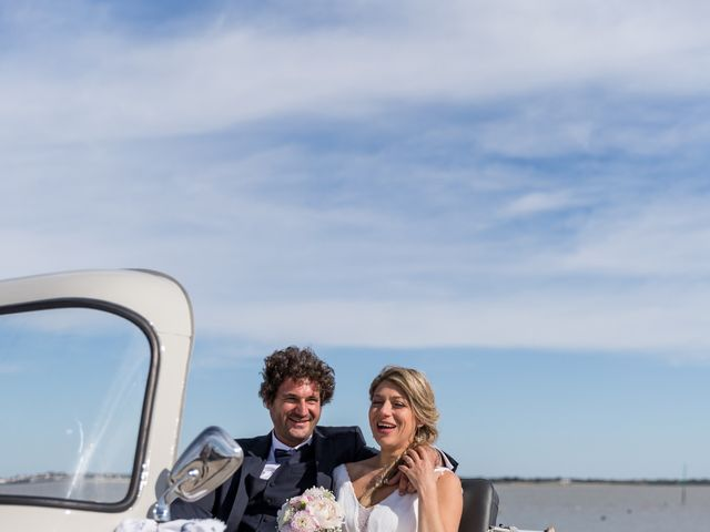Le mariage de Louis et Alessandra à Loix, Charente Maritime 40