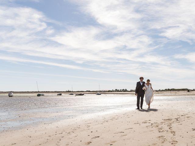 Le mariage de Louis et Alessandra à Loix, Charente Maritime 44