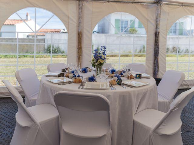 Le mariage de Louis et Alessandra à Loix, Charente Maritime 56