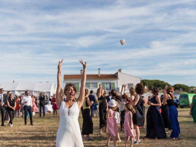Le mariage de Louis et Alessandra à Loix, Charente Maritime 65