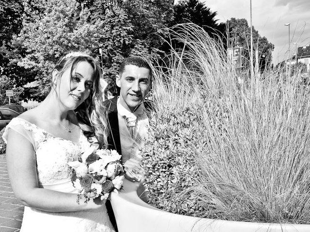 Le mariage de Youcef et Sophie à Évian-les-Bains, Haute-Savoie 15