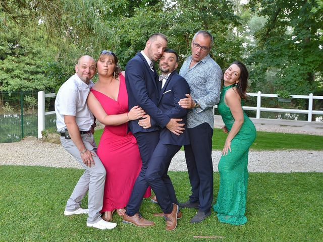 Le mariage de Mickael et Vincent à Tigeaux, Seine-et-Marne 11