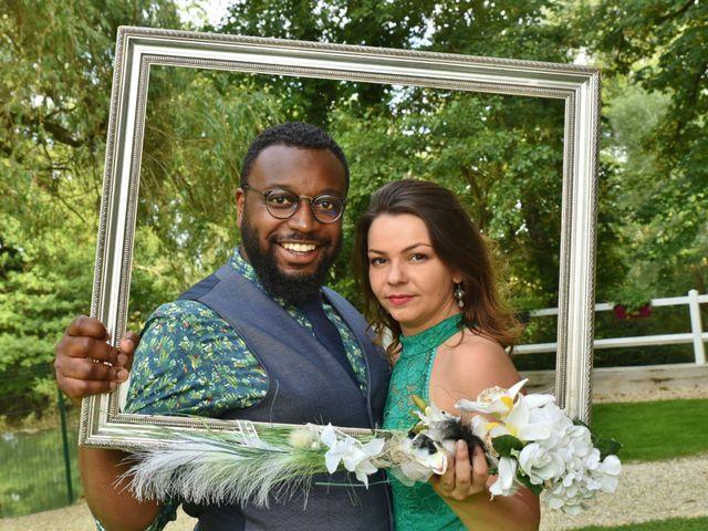 Le mariage de Mickael et Vincent à Tigeaux, Seine-et-Marne 15